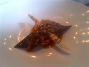 Peanut caramel cheesecake