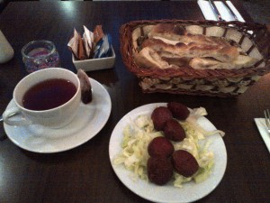 Sucuk and bread